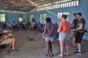 2019 Cuba Team leading worship